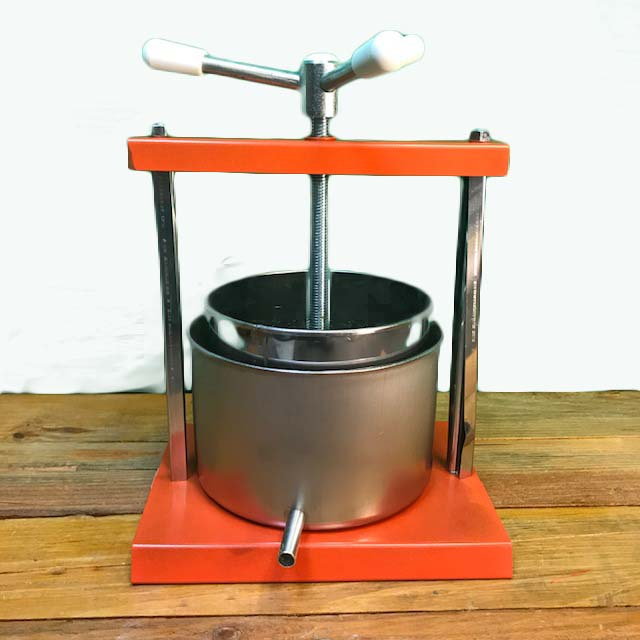 Cheese-Press-with-Acme-Screw