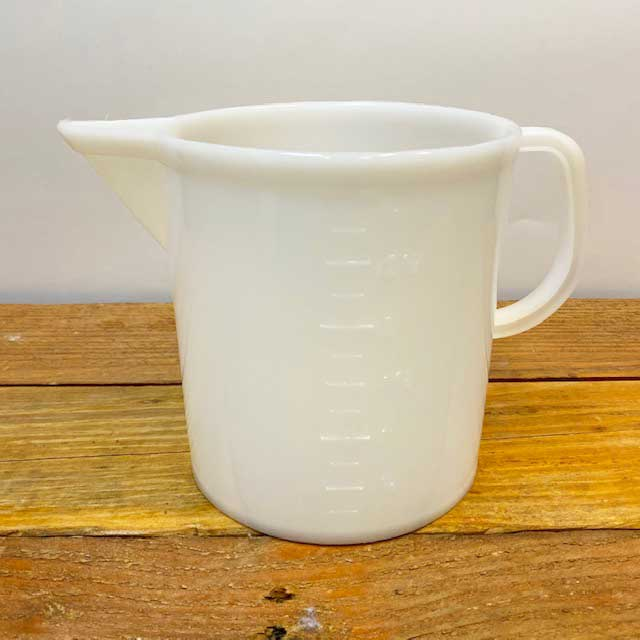 Graduated Beaker with Handle - 3 liter - Plastic