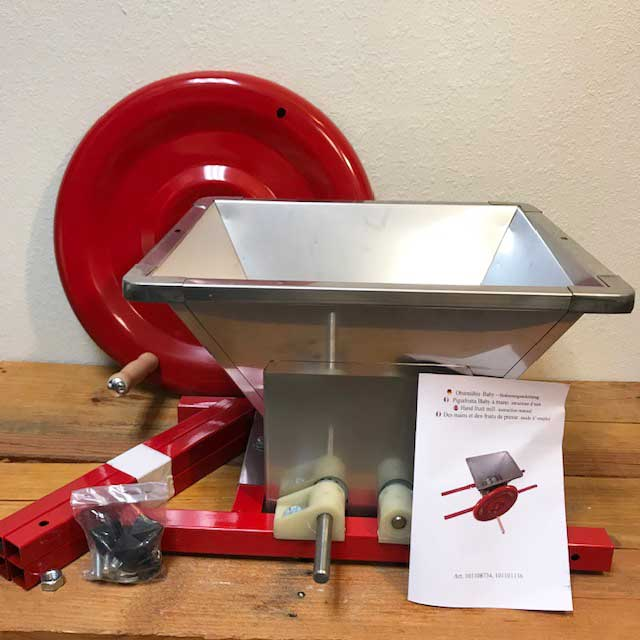 Manual Apple Cutter & Crusher - Tooth & Knife Rollers - 40cm x 40cm hopper