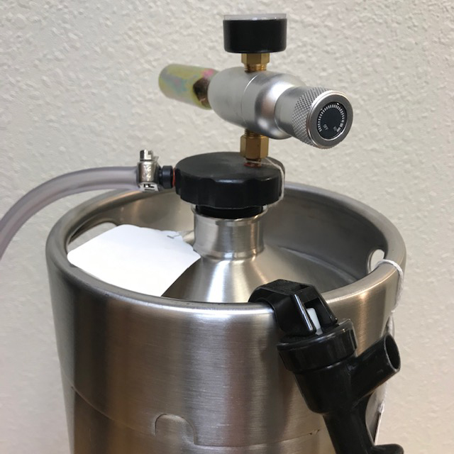 Mini-Keg-Dispenser-with-hose