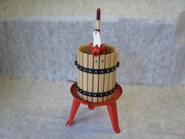 #25 Wine Press 10x14/5